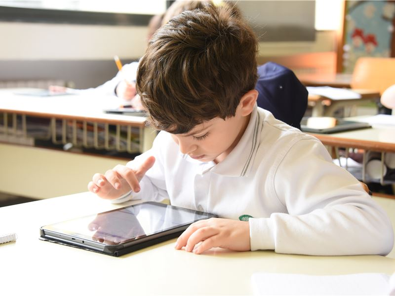 SABIS® E-Books Shifting Platforms